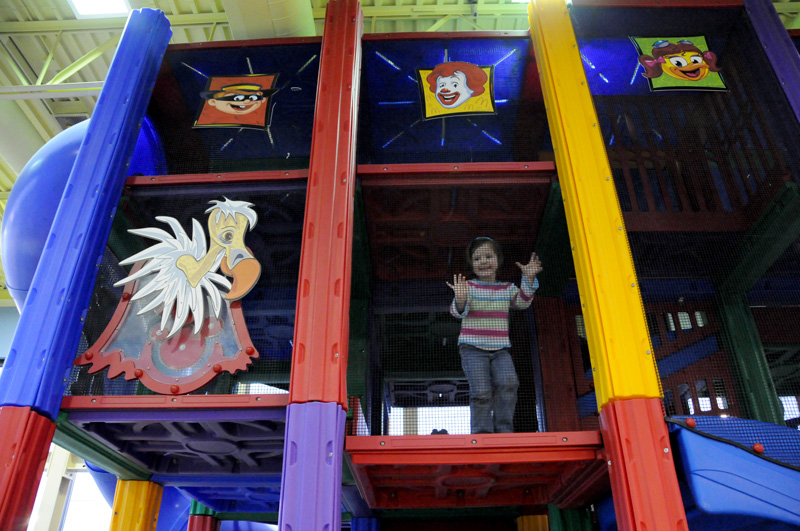 E-3_McDs_playplace_6871